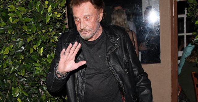 """Johnny Hallyday évoque son cancer des poumons: """"Je me soigne, je lutte, je me bats et j'espère m'en sortir"""""""