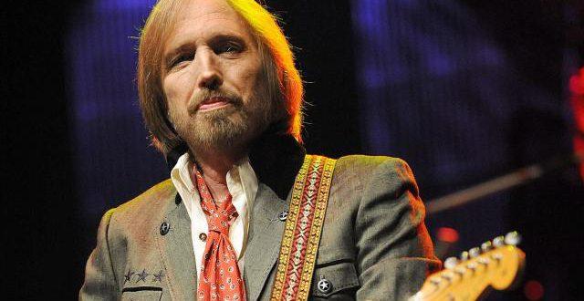 Annoncé mort dans un premier temps sans confirmation, le rockeur Tom Petty est bel et bien décédé