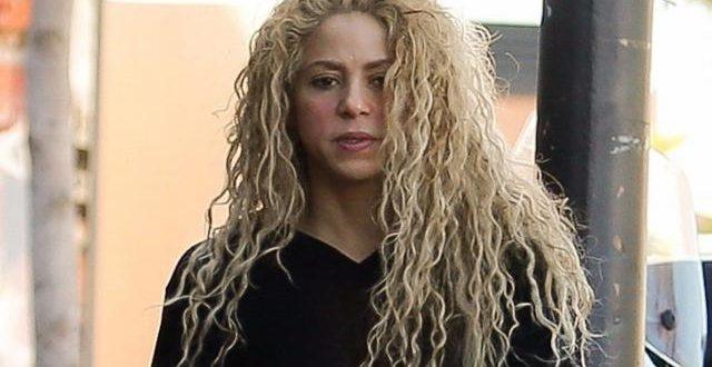 Shakira, souffrante des cordes vocales, reporte à 2018 sa tournée européenne