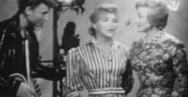 Un grand garçon timide avec sa guitare: la première apparition en TV de Johnny, en 1960 (vidéo)
