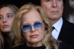 Sylvie Vartan «triste» que Johnny Hallyday soit enterré à Saint-Barthélémy